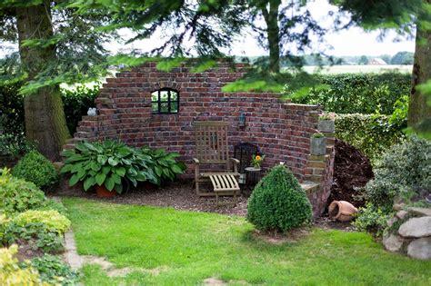 überdachung Im Garten by Ruinenmauer Im Garten Style Wohndesign