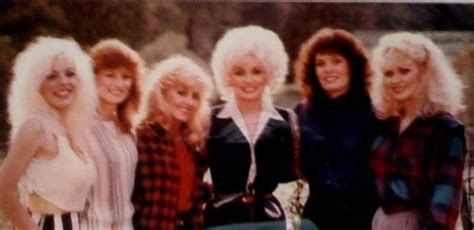 how many brothers and does dolly parton sisters dolly parton living legend american icon songtress songwrit