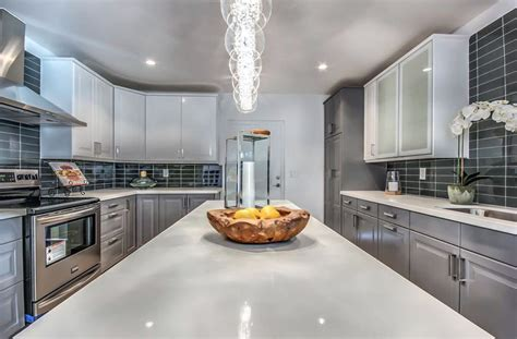 30 Gray And White Kitchen Ideas Velvet Accent Chairs Wood Tables And For Restaurants Nap Chair The Amazing Pocket Lawn With Umbrella Attached Kitchen Cushions Ties Inexpensive Ergonomic Alstons