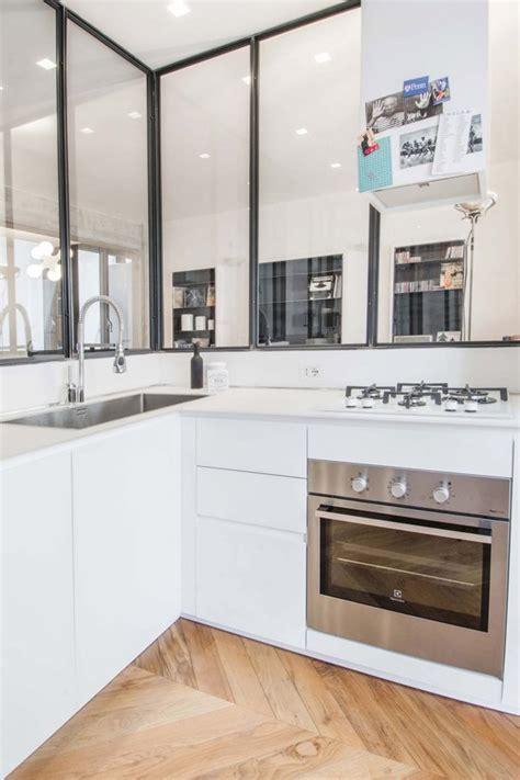 Cucina Con Vetrata by Cemento E Vetro Per Un Appartamento Industrial Chic Idee