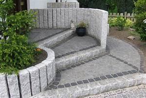 Bauzentrum Beckmann Naturstein Palisaden Stelen