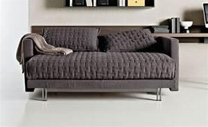 Kleine Couch Mit Schlaffunktion : sofa mit schlaffunktion bequem und super praktisch ~ Frokenaadalensverden.com Haus und Dekorationen