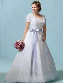 plus size wedding dresses 5 styles of plus size wedding dress