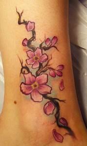 Tattoo Fleur De Cerisier : un tatouage de branche de cerisier 15 inkage ~ Melissatoandfro.com Idées de Décoration