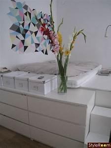 Kommode Vor Bett : ber ideen zu dachgeschoss schlafzimmer auf pinterest dachzimmer schlafzimmer und loft ~ Sanjose-hotels-ca.com Haus und Dekorationen