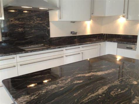 plan de travail cuisine en granit plan de cuisine granit armoires en polyester couleur