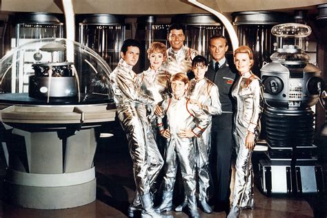 Translation Of Roeiboot by Lost In Space Reboot Finds A Home On Netflix Today S