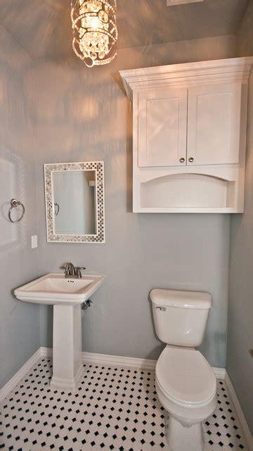 white  bath  black  white tile floor