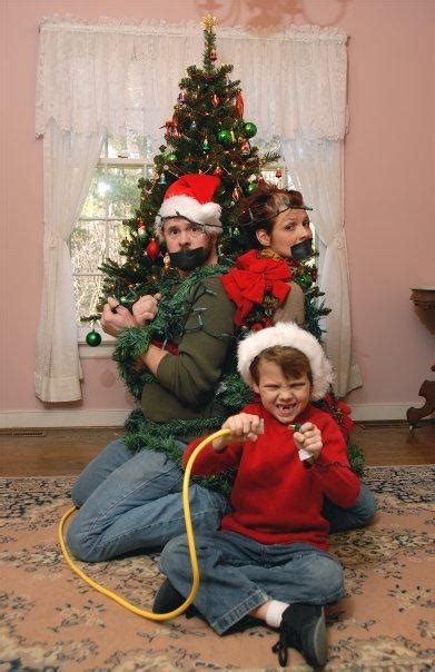 Christmas is a good excuse to send cards to all my favourite people. 1000+ images about Funny Family Christmas Card Photos on Pinterest | Holiday family photos ...