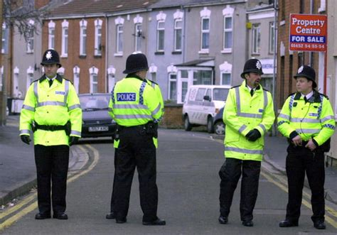 uk  police dress code  include beard nets