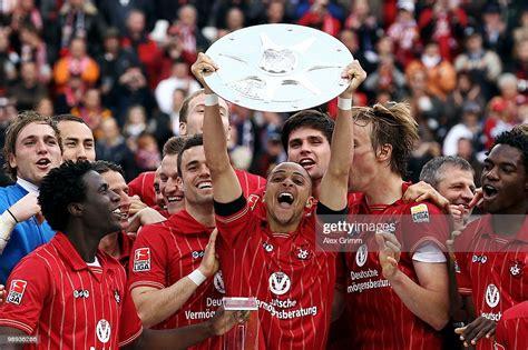 Bundesliga erstmals mit einer eigenen trophäe geehrt. 2. Bundesliga Trophy : Vfb Stuttgart Season Preview Can Swabians Return From Their 2 Bundesliga ...