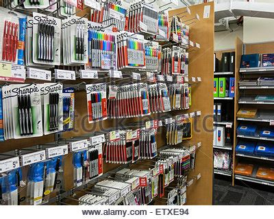 Office Supplies Utica Ny by A Staples Store In New York Advertises That It Is Quot Now