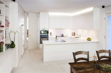 contemporary white kitchen htons kitchen styles melbourne rosemount kitchens 2550