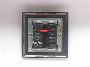 Varilight 1 Gang 13 Amp Double Pole Switched Fused Spur