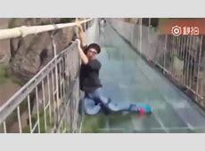 China sperrt weltlängste Glasbrücke in Nationalpark schon