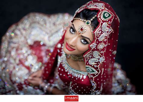 Indian Gujarati Wedding Photography  Gorgeous Asian. Wedding Bouquets Display Cases. Planning A Wedding In 6 Months Checklist. Wedding Planning York. Purple Wedding Invitations Amazon. Buy Wedding Favor Boxes Online. Wedding Planner Jobs In The Uk. Wedding Rentals Rustic. Western Wedding Dresses Hong Kong
