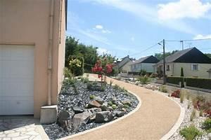 amenagement de l39acces a une maison moderne jardin With entree exterieur maison moderne 6 maison moderne avec une magnifique piscine interieure
