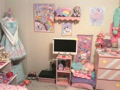 Cute Fairy Kei Room. I Love The Dresser.