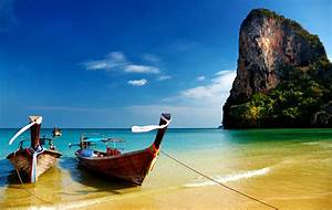 Boat on Beach Beautiful Natural Scene hd images