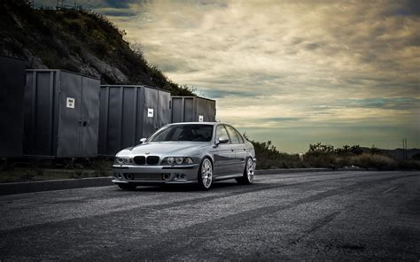 Bmw E39 Wallpaper 01 [1680x1050]