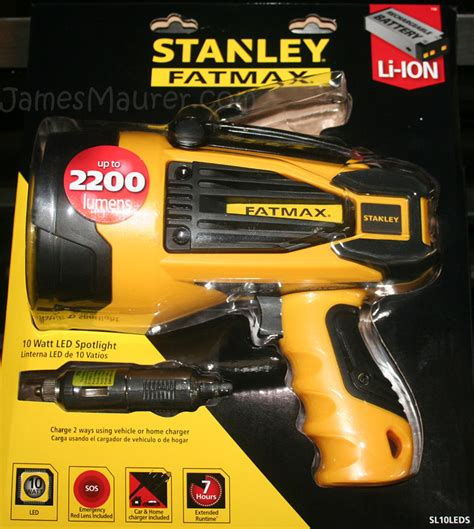 stanley hid spotlight bulb replacement