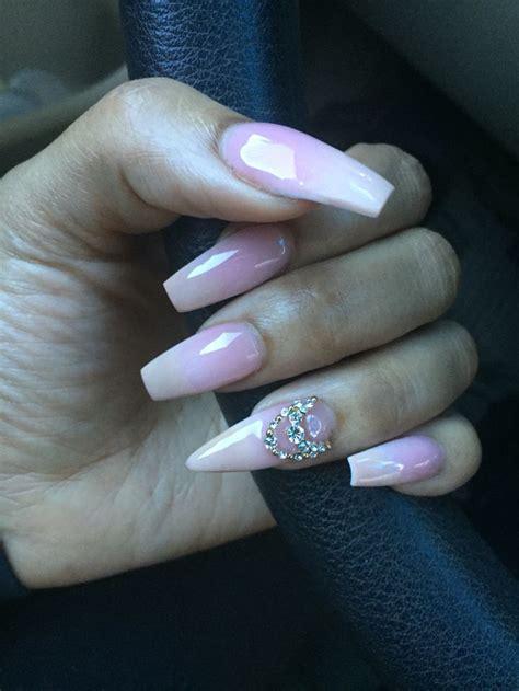 stiletto  coffin nails  expression nails