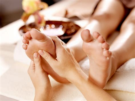 Massage Monday's Warm Oil Foot Treatment Forever Gorgeous Spa