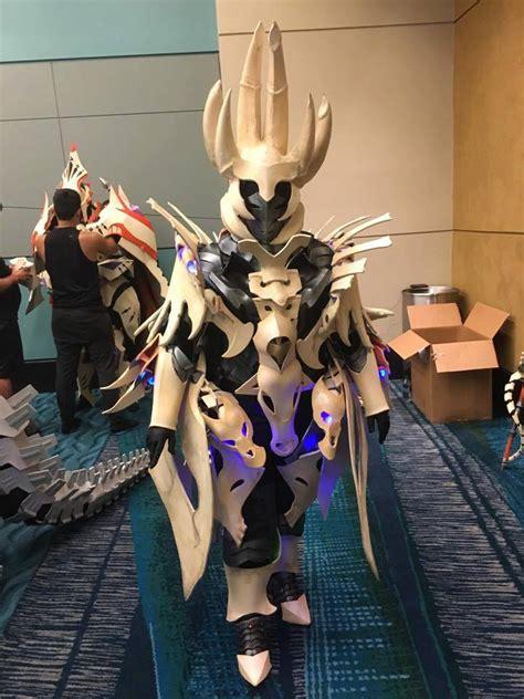 monster hunter  nakarkos armor  led touches