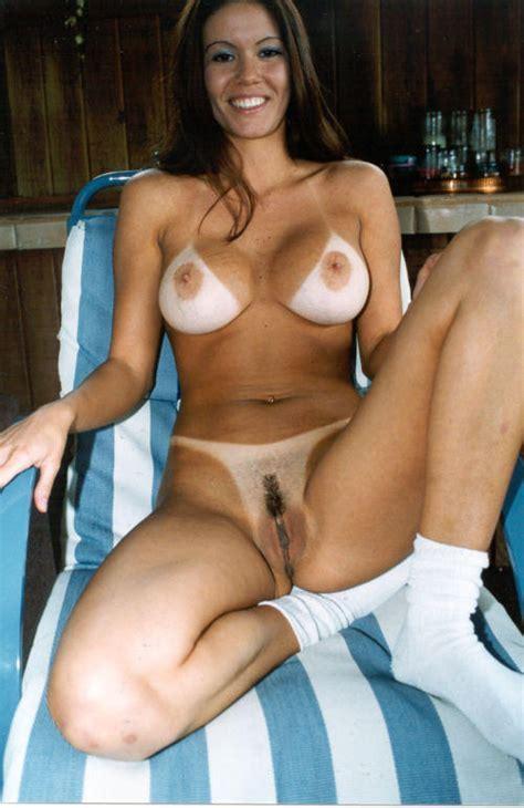 бесплатное порно полоски от купальника порно фото плыл
