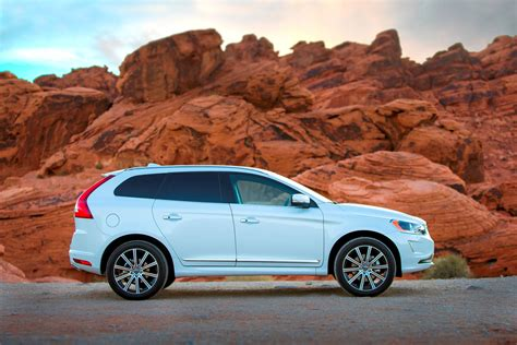The 2015 Volvo Xc60 Rdesign Laughs In The Face Of A Vermont Snowstorm