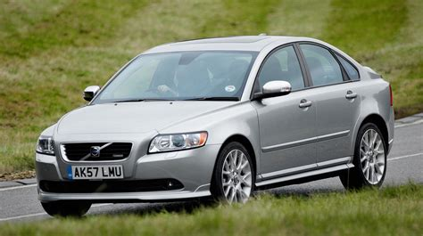 Used S40 Volvo by Volvo S40 Saloon Review 2004 2012 Parkers