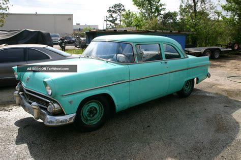 Custom 1955 Ford Cake Ideas And Designs