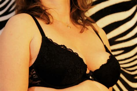 How To Fix Saggy Or Uneven Breasts Breast Lift And