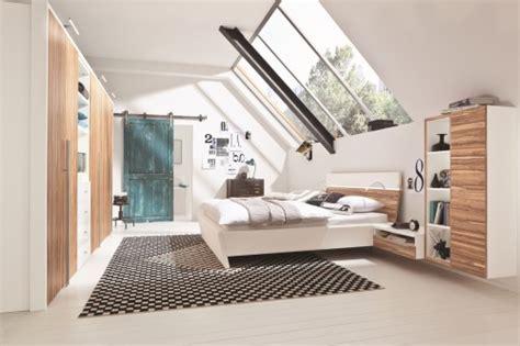 chambre sous les toits décoration chambre sous les toits exemples d 39 aménagements