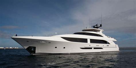 superyacht   week black gold breaks  mould
