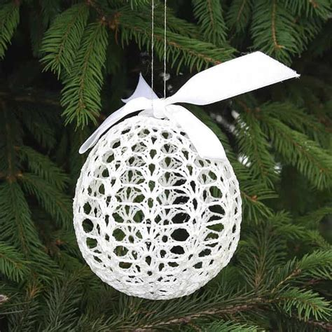 crocheted christmas tree ornaments  chic