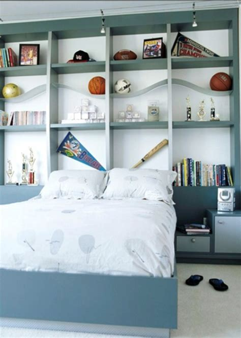 bedroom solutions for small rooms practical storage solutions for small bedrooms interior 18208 | Practical Storage Solutions for small Bedrooms 11