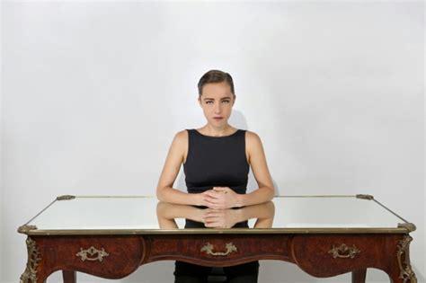 bureau ag e un meuble de bureau narcissique par sebastian errazuriz