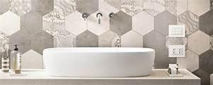 Carrelage Mural Hexagonal : carrelage hexagonal dans la salle de bains guide artisan ~ Carolinahurricanesstore.com Idées de Décoration