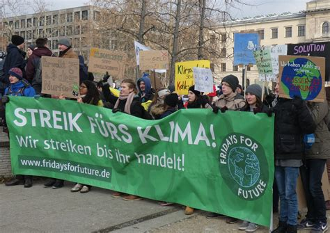 Mar 19, 2021 · the latest tweets from fridays for future germany (@fridayforfuture). Fridays for Future | BÜNDNIS 90/DIE GRÜNEN
