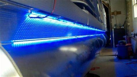 Battery Powered Underwater Boat Lights by Nh Tooner S Tri Rebuild Done Pontoon Forum Gt Get