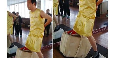 pria china punya buah zakar paling perkasa bisa angkat bata merdeka com