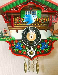 Vintage Cuckoo Clock   Fully Working Small German Wind Up