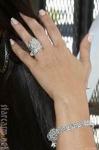 photos kim kardashian and kris humphries depart lax for a With kim kardashian wedding ring