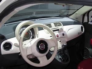 Fiat 500 2010 : image 2011 fiat 500 launch event at the 2010 los angeles auto show november 2010 size 1024 x ~ Medecine-chirurgie-esthetiques.com Avis de Voitures