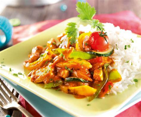 comment cuisiner avec un wok plat facile wok de légumes au poulet sauce tandoori