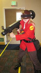 File:Team Fortress 2 soldier cosplayer at FanimeCon 2010 ...