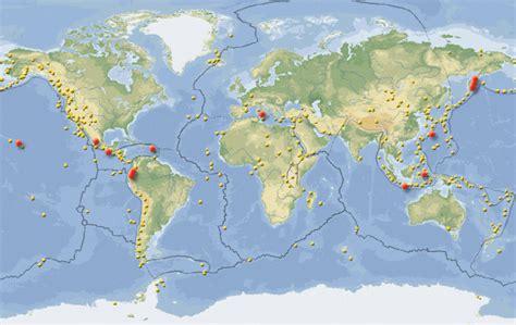 Carte Des Volcans Actifs Dans Le Monde by Volcans Au Bord Du R 233 Veil Les Pr 233 Visions Des Experts