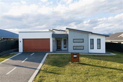 David Read Homes: Luxury Display Homes NSW Tamworth View