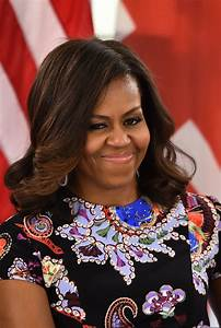 Photo of Michelle Obama sporting natural hair goes viral